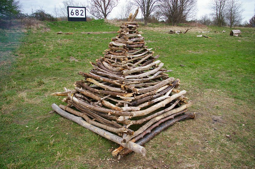 Pyramide 682